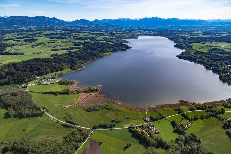 Luftbild Simssee Richtung Rosenheim Alpen