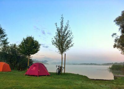 Sonnenaufgang am See - Zeltwiese Camping Stein