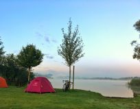 Sonnenaufgang am See - Zeltwiese Camping Stein